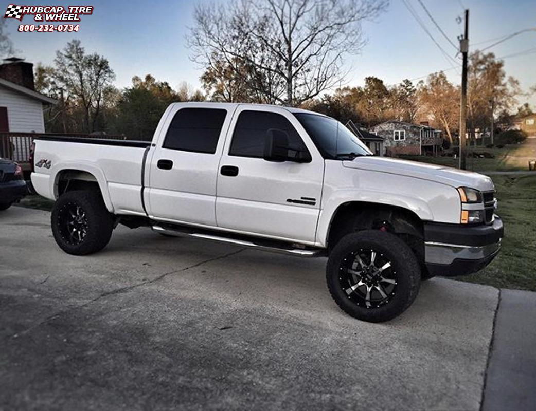 chevrolet silverado 1500 moto metal mo970  Gloss Black Machined Face wheels and rims