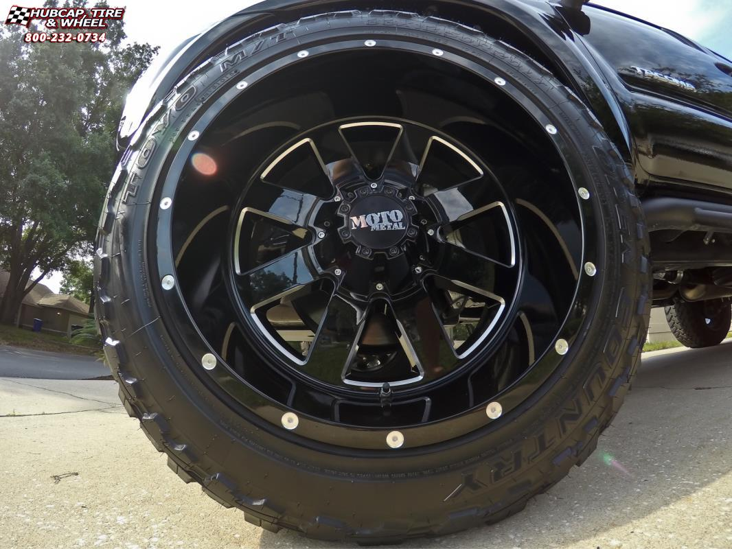 2015 Toyota Tacoma Moto Metal Mo962 Wheels Gloss Black